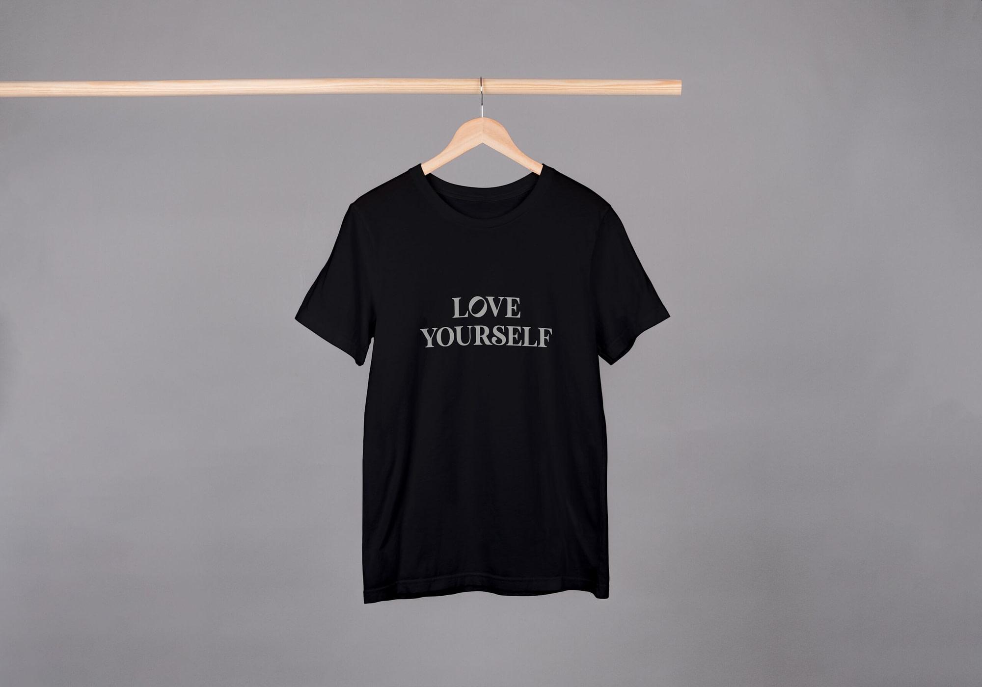 Love yourself / T-shirt